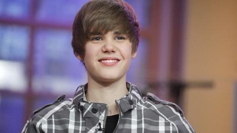 Justin Bieber Smiling Google Cover